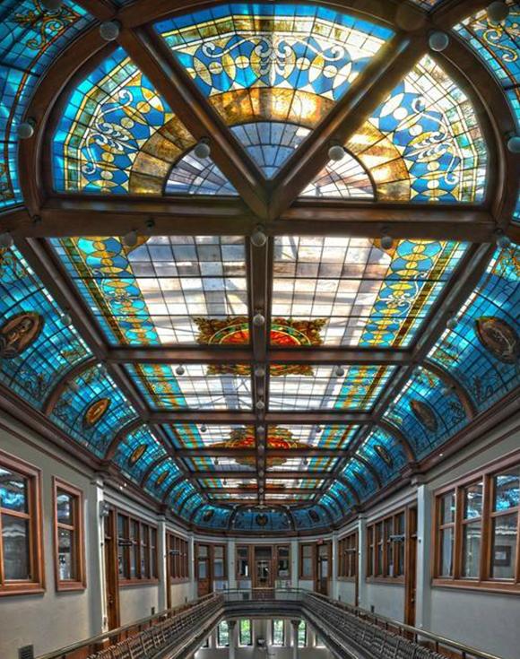 天花彩色玻璃穹顶