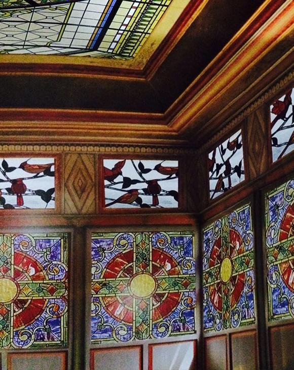 彩色玻璃教堂