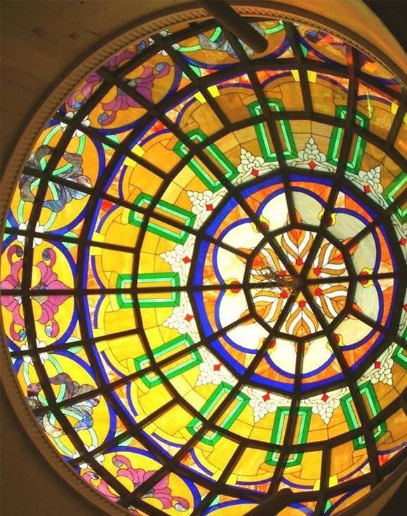 蒂凡尼彩色玻璃穹顶