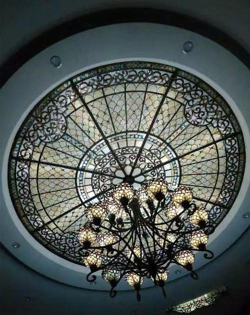 酒店彩绘玻璃穹顶