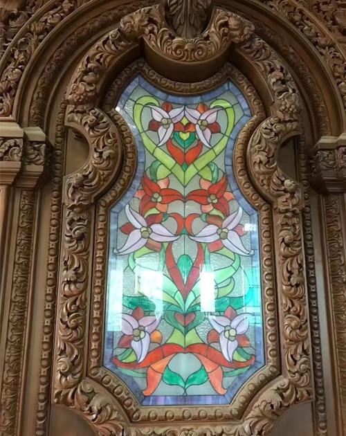 教堂彩色玻璃