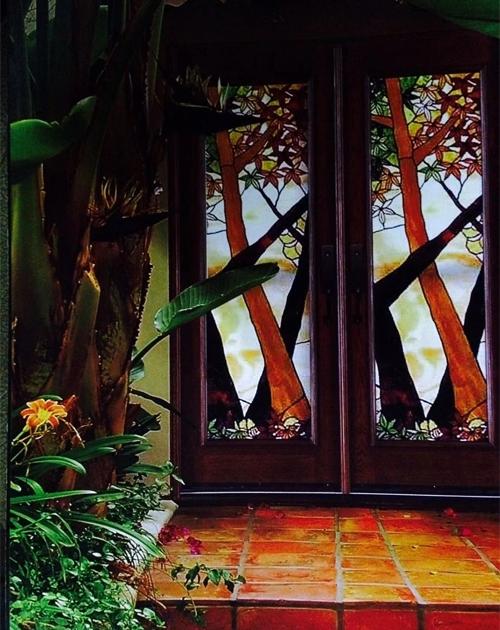 彩色玻璃门
