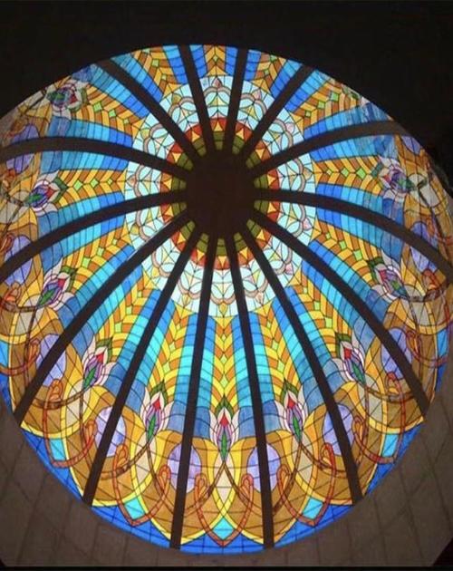 彩绘玻璃穹顶