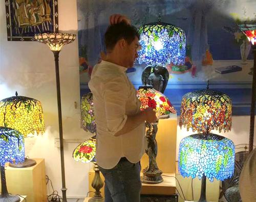 彩色玻璃灯饰展示