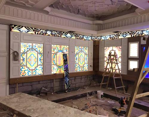 彩色玻璃施工